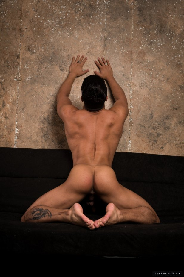 Armond Rizzo is rammed by Troy Accola Release/Torrent Preview