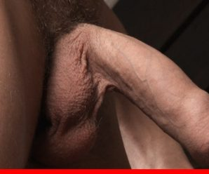 Bel Ami Online Kian O'Connor whacks off