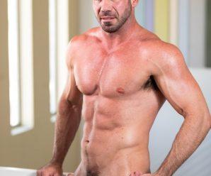 Icon Male Billy Santoro tops Lucas Leon