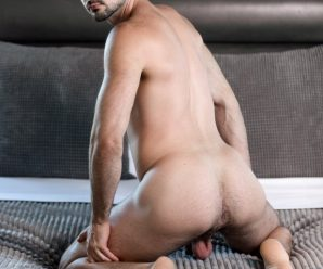 Icon Male Mason Lear gives it to Brian Bonds