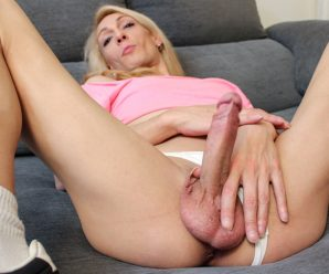 UK-TGirls Meet Naomi Diamond!