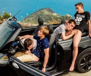 French Twinks 4-man orgy