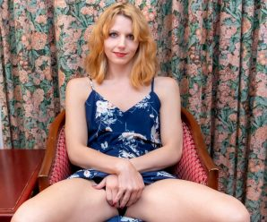 UK-TGirls Analie Goes Crazy With Her Dildo!