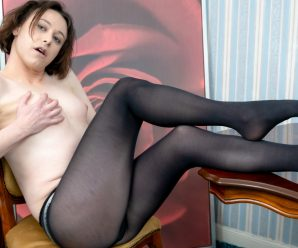 UK-TGirls Emily Rose Debuts!